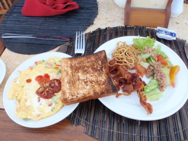 今日の朝食ビュッヘスタイル