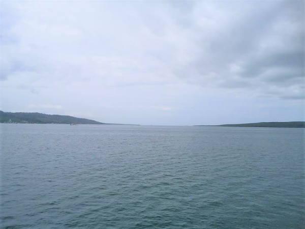 1130ギリマヌクの港 カーフェリー03