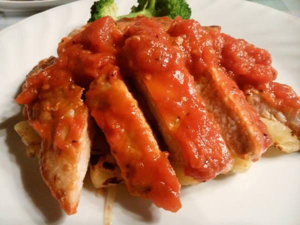 11日 八丈島 夕食の料理 ポーク&トマトソース