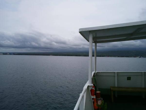 1130ギリマヌクの港 カーフェリー05