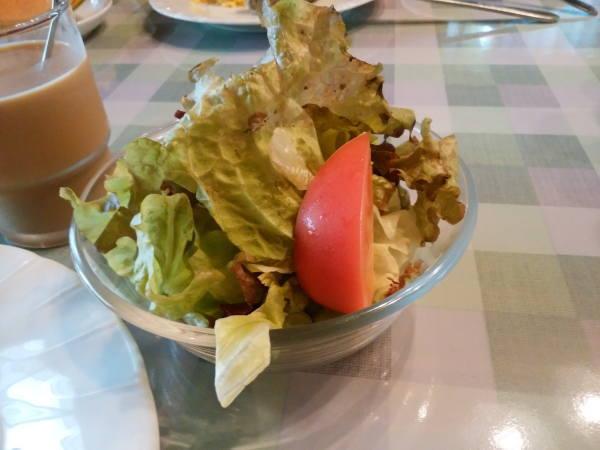 12日 八丈島 朝食の料理 グリーンサラダ
